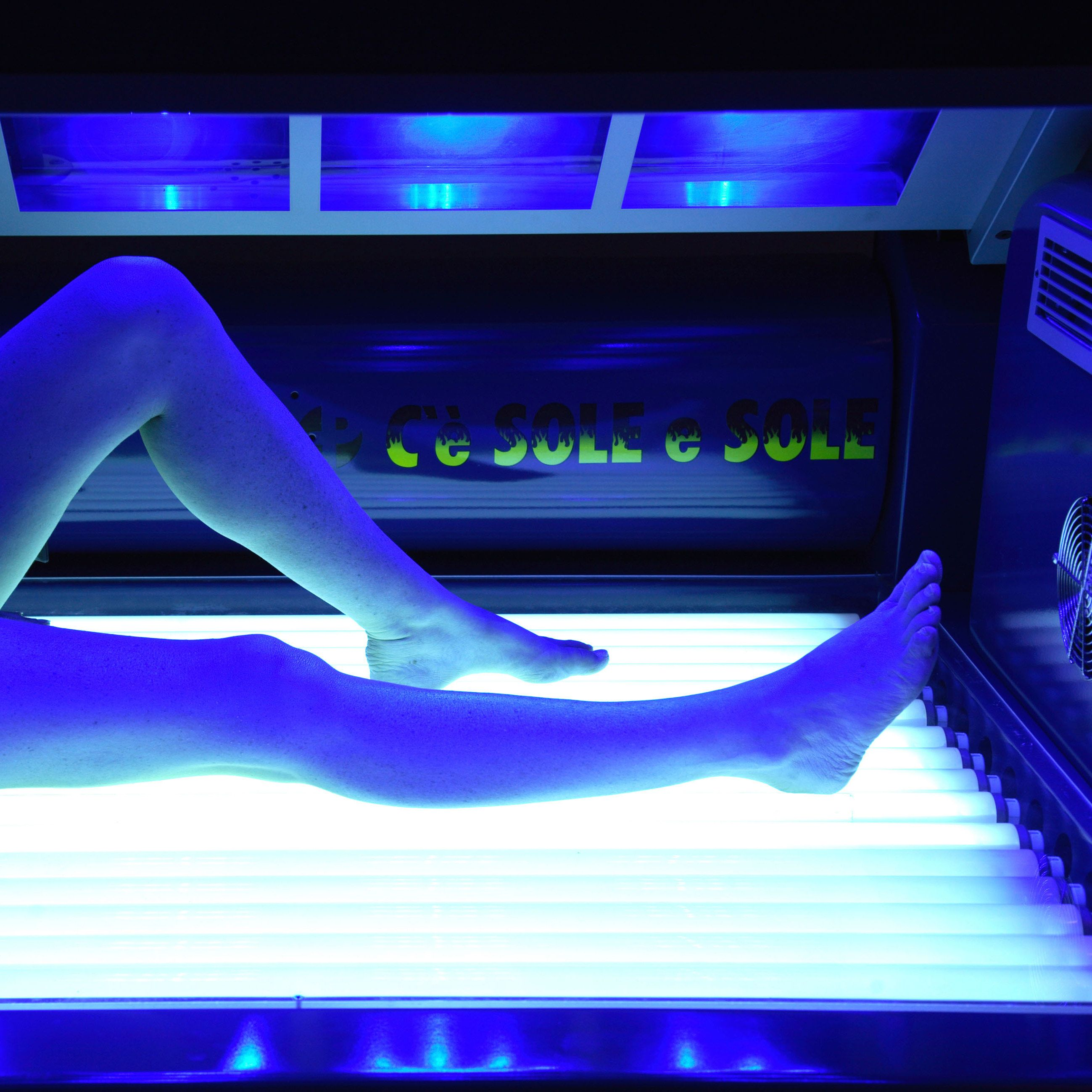 Why You Should Never Ever Indoor Tan Indoor tanning