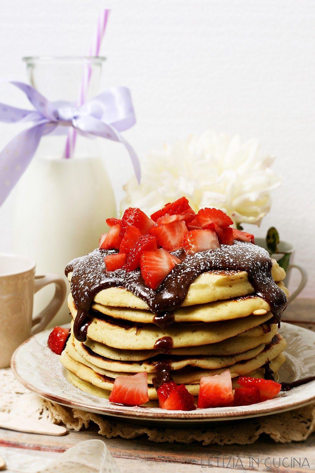 Letizia in Cucina: Pancakes con crema alla nocciola e fragole ...