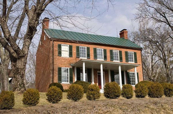 Pin By Sandi Asher Fairband On Federal Style Home Inspo Colonial Exterior Colonial House Metal Roof Houses