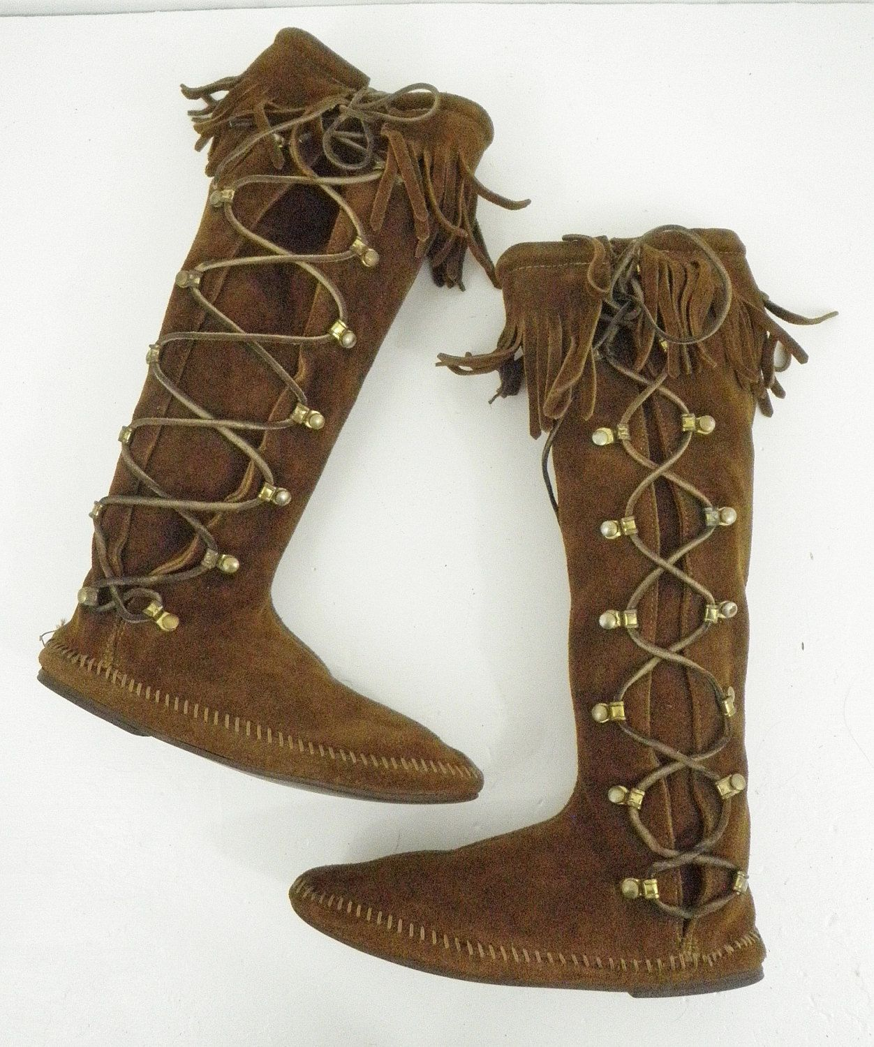 cd12ba91f5237 Minnetonka Brown Tall Fringe Boots Suede Size 7 Side Lace Boho Hippie  Vintage by TraSheeWomen on Etsy #minnetonka #tallboots #fringeboots  #hippieboots ...