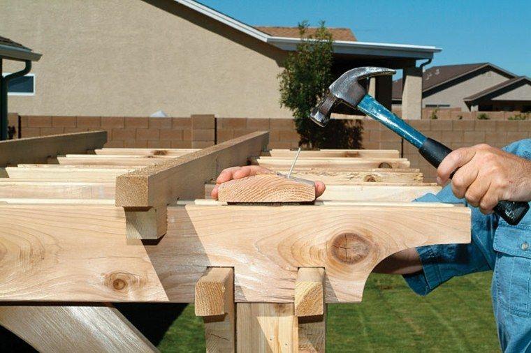 Comment construire une pergola en bois pour décorer sa terrasse - construire sa terrasse bois