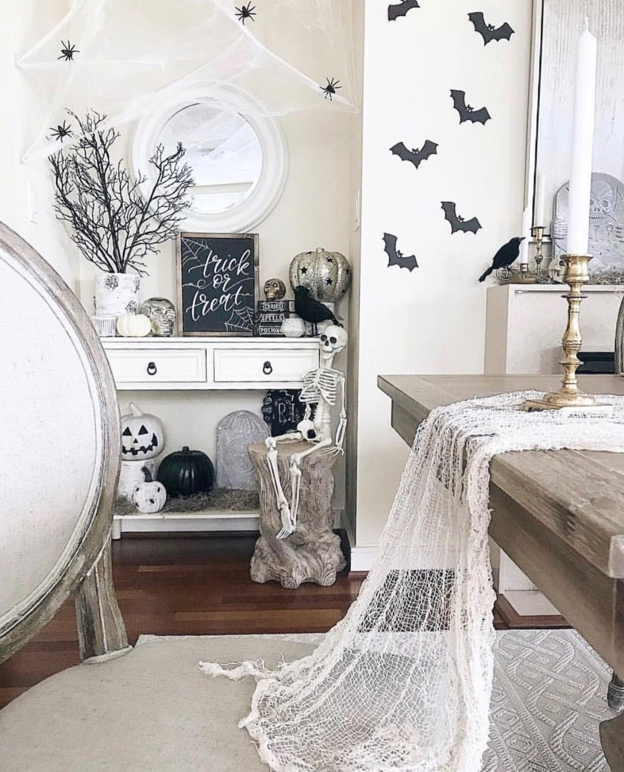Fall Home Decor Trends 2019: Halloween Decor Trends Flying Paper Bats In 2019