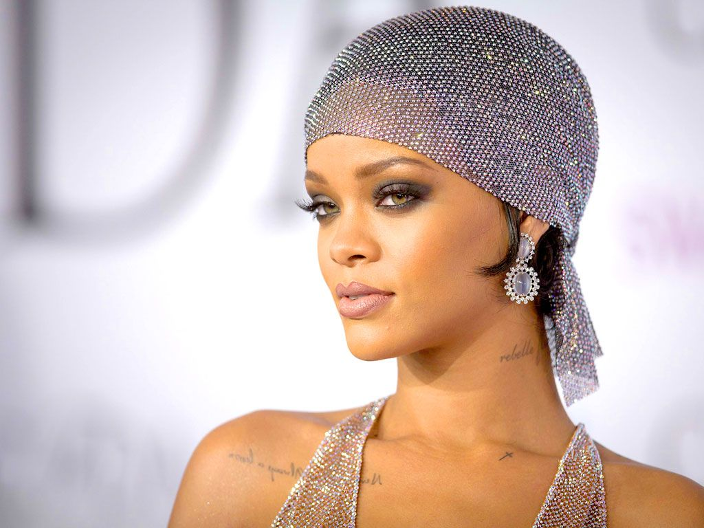 Get Holiday Glam Inspired By Rihanna