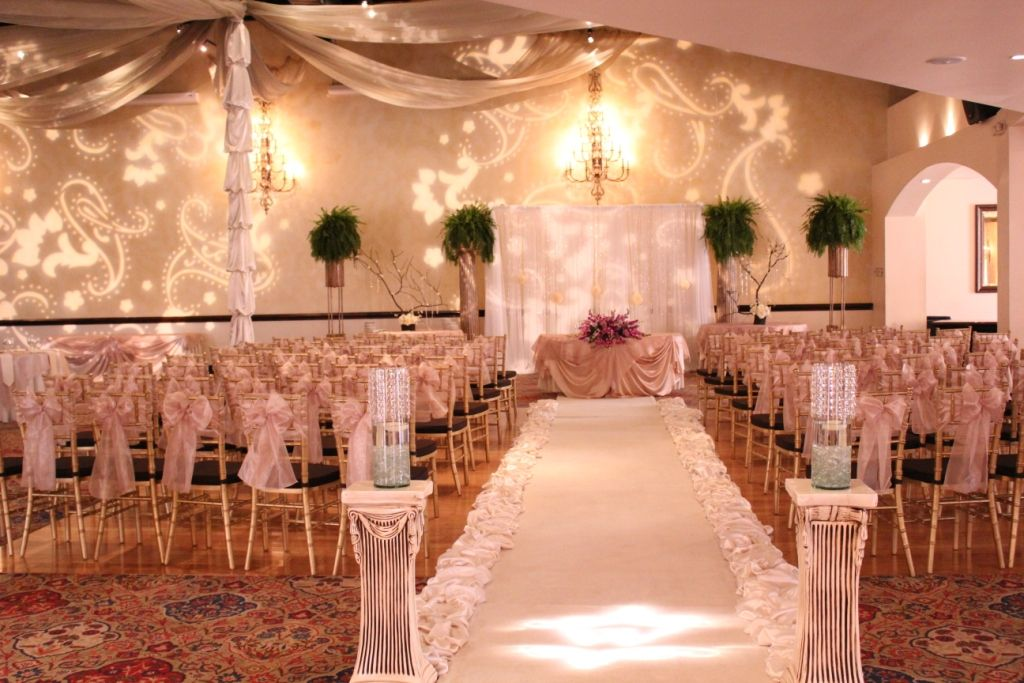Pelazzio Full Service Wedding Venue Has Ambiance Lighting Packages Available Houston
