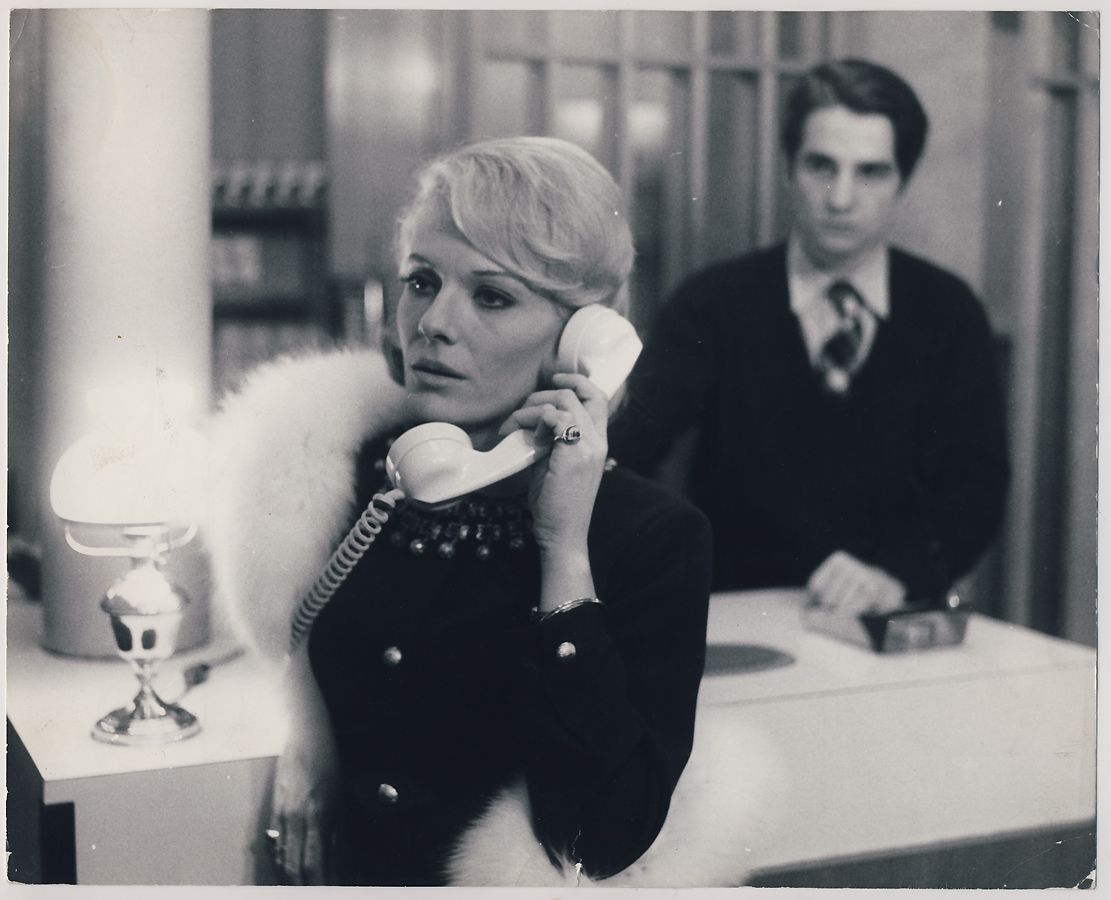 Fabienne Tabard Delphine Seyrig And Antoine Doinel Jean Pierre Leaud In Baisers Voles Stolen Kisses By F French Cinema Movie Directors Francois Truffaut