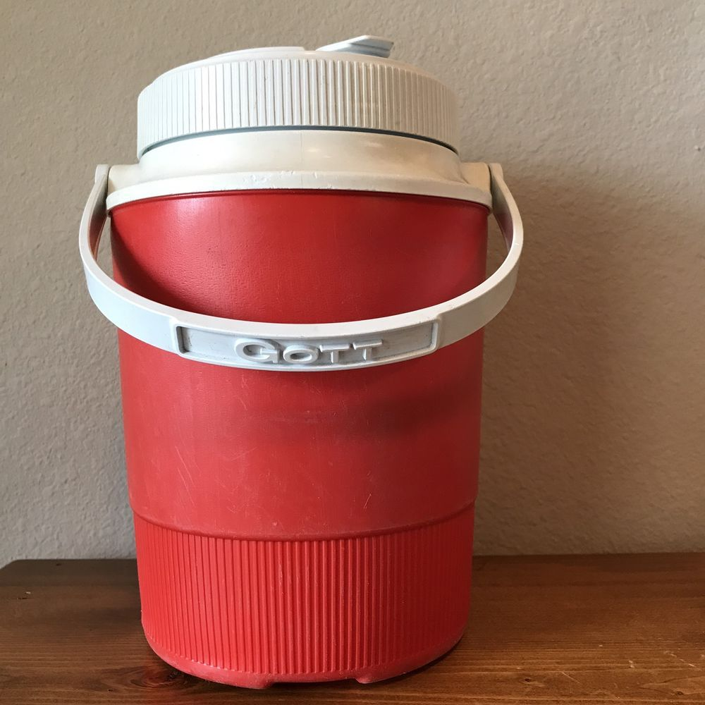 Vintage Gott Rubbermaid Insulated Thermal 1 2 Gallon Water Cooler Jug Water Coolers Rubbermaid Vintage Lanterns