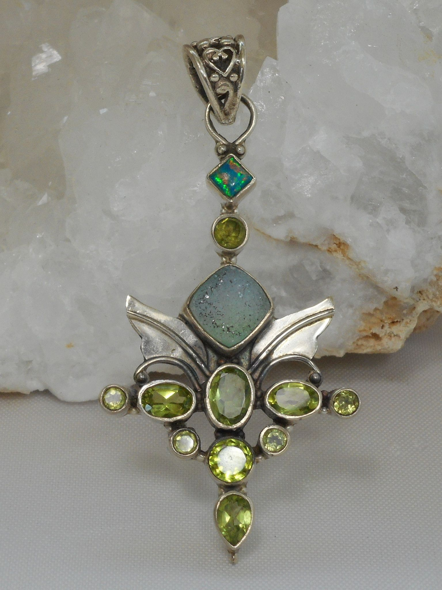 16 925 Sterling Silver Chain with Peridot Quartz Pear Bezel Gemstone Necklace