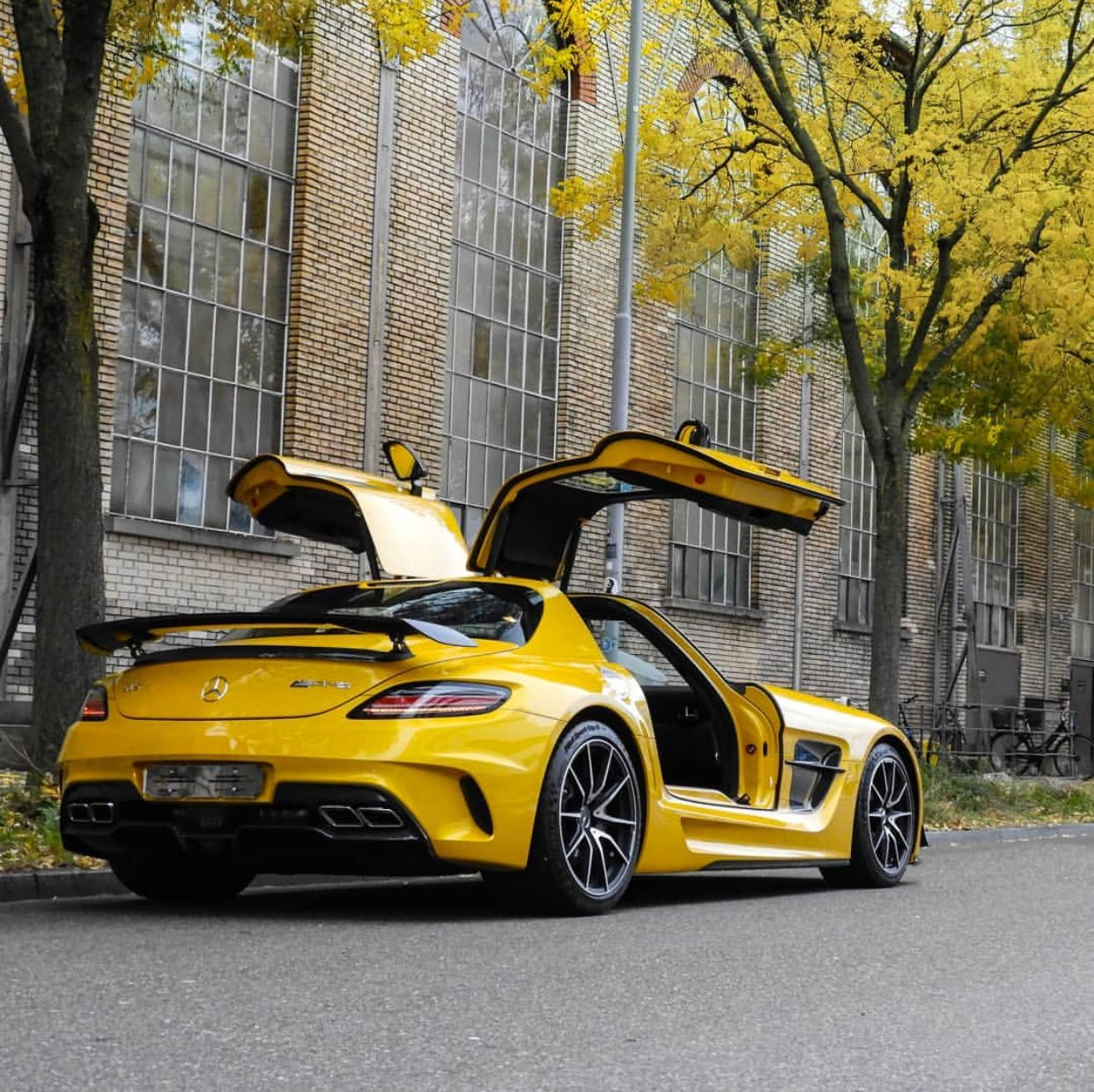 Mercedes Benz Sls Amg Black Series Painted In Solar Beam Yellow