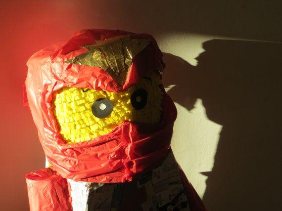pinata ninjago rouge pour un heureux par lespinatasdelaly sur etsy 7000 - Ninjago Rouge