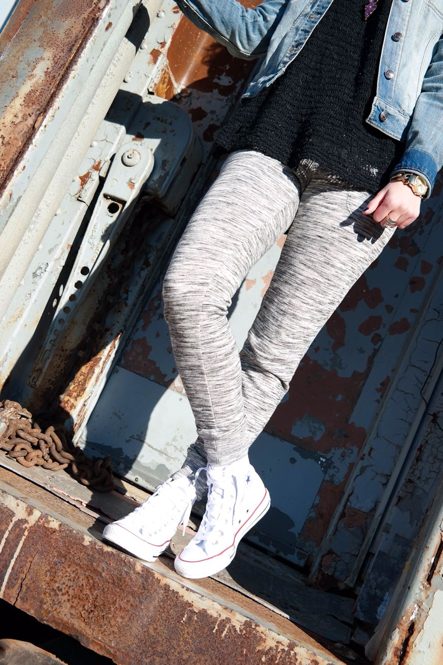 Obsessed with these jogger pants! adoremorewithgeor.com