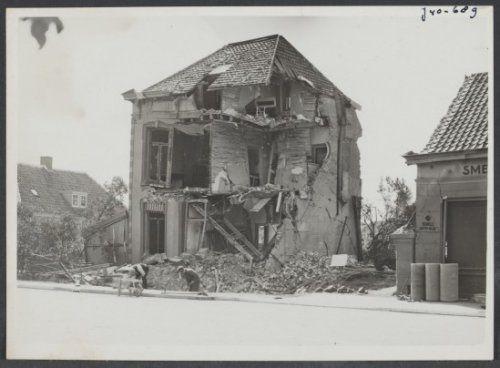 Gebombardeerd huis in Breda (mei 1940)