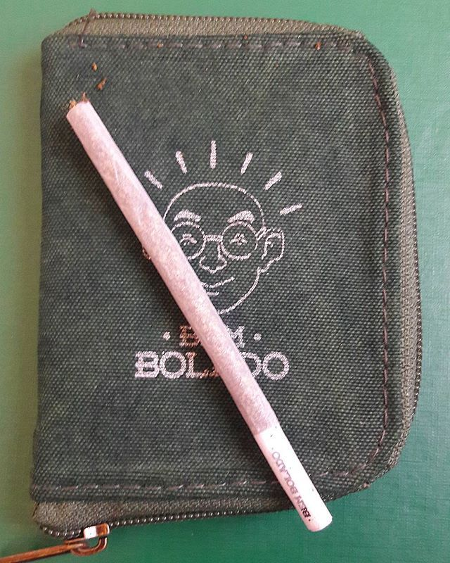 As carteiras da Bem Bolado são excelentes para seu ritual de verão! Pense Verde, pense #BemBoladostyle 🍀🍀🍀