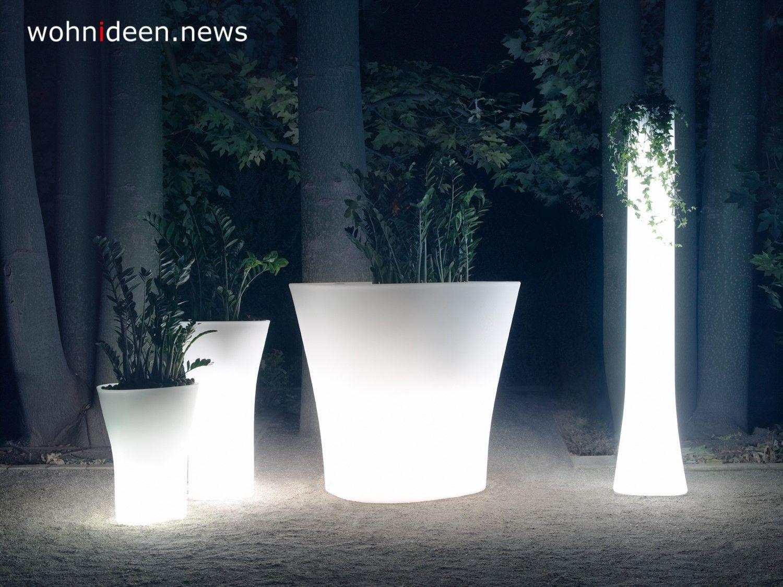Blumentopf Mit Led Beleuchtung Von Www Graf News Die Kleinen Stromsparenden Leds Werden Haufig Fur Die Beleuchtung Von Lichter Led Beleuchtung Pflanzkubel