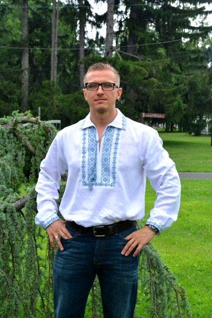 Mens Vyshyvanka shirt Ukrainian embroidery Embroidered tshirt Short sleeve shirt  Ukrainian gift