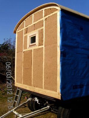 w rmed mmung aus holzfaser kleines zuhause bauwagen. Black Bedroom Furniture Sets. Home Design Ideas