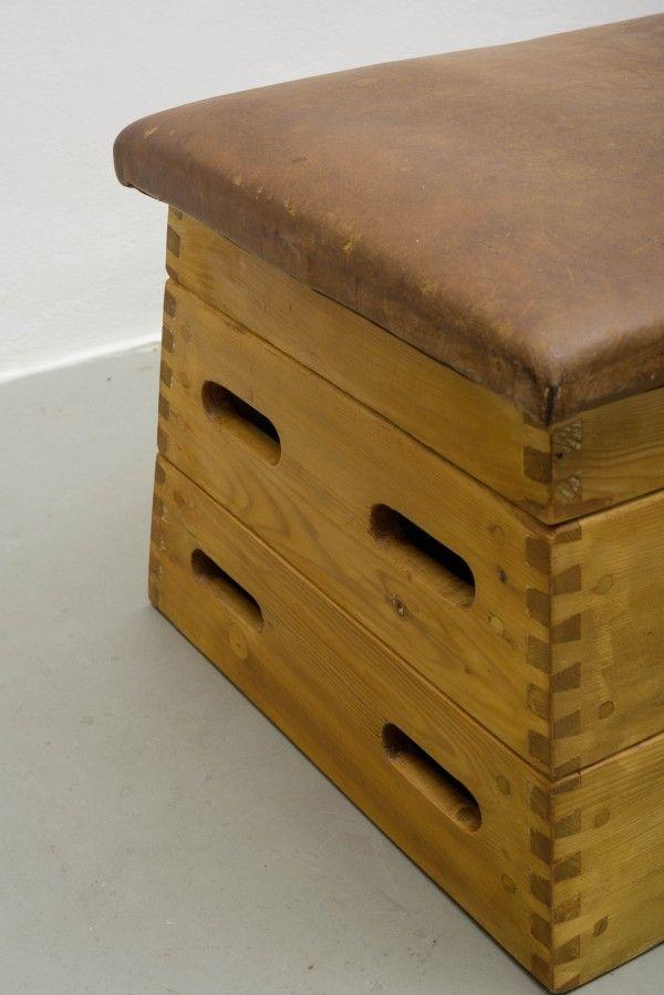 Tschechisches Wohndesign / Gym bench Stool, Furniture, Bench