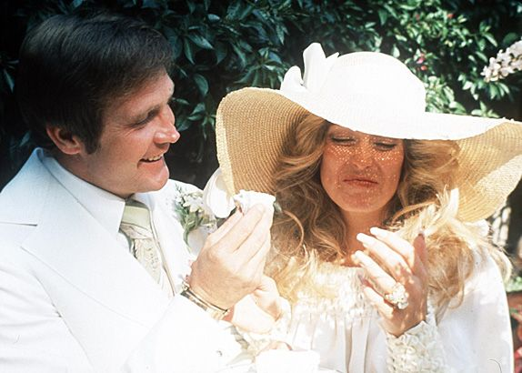 Lee majors and farrah fawcett majors divorce for What to do with old wedding dress after divorce