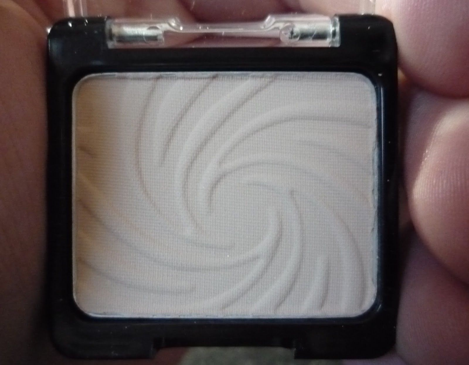 Wet N Wild Color Icon Eyeshadow Single Brulee 2 My Makeup Collection Beauty Make Up Beauty Favorites