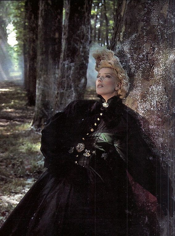 Dauphine de Jerphanion in Chanel Haute Couture by Lagerfeld by Thierry Mugler for Avenue, 1986
