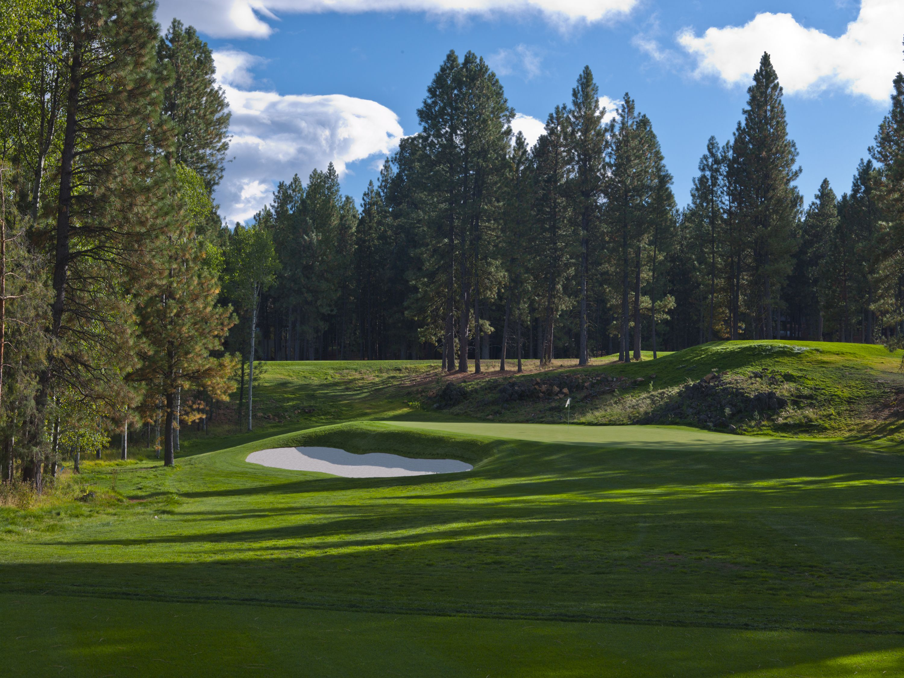 The New Glaze Meadow Golf Course Hole 8 At Black Butte Ranch Oregon Image By Larry Lambrecht Golf Course R Vacation Locations Golf Courses Vacation Spots