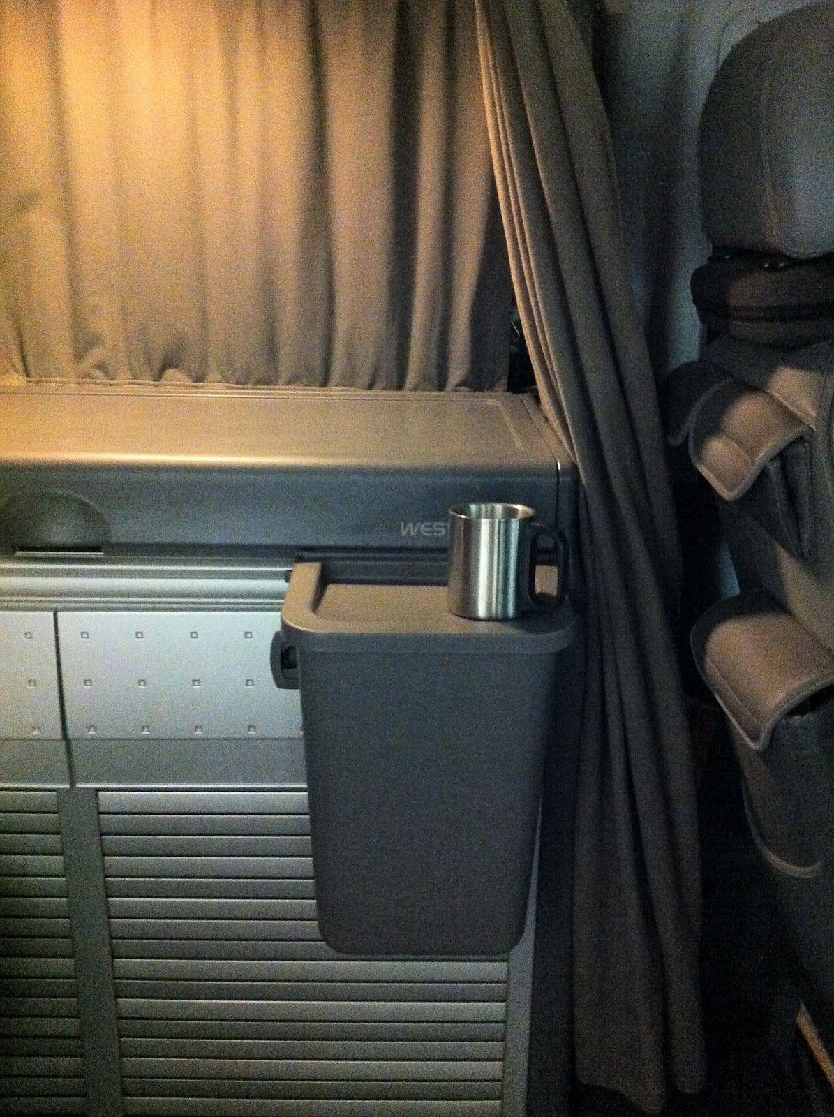 De 300 a 9. Adaptación de la papelera RATIONELL de Ikea a una furgoneta Viano.