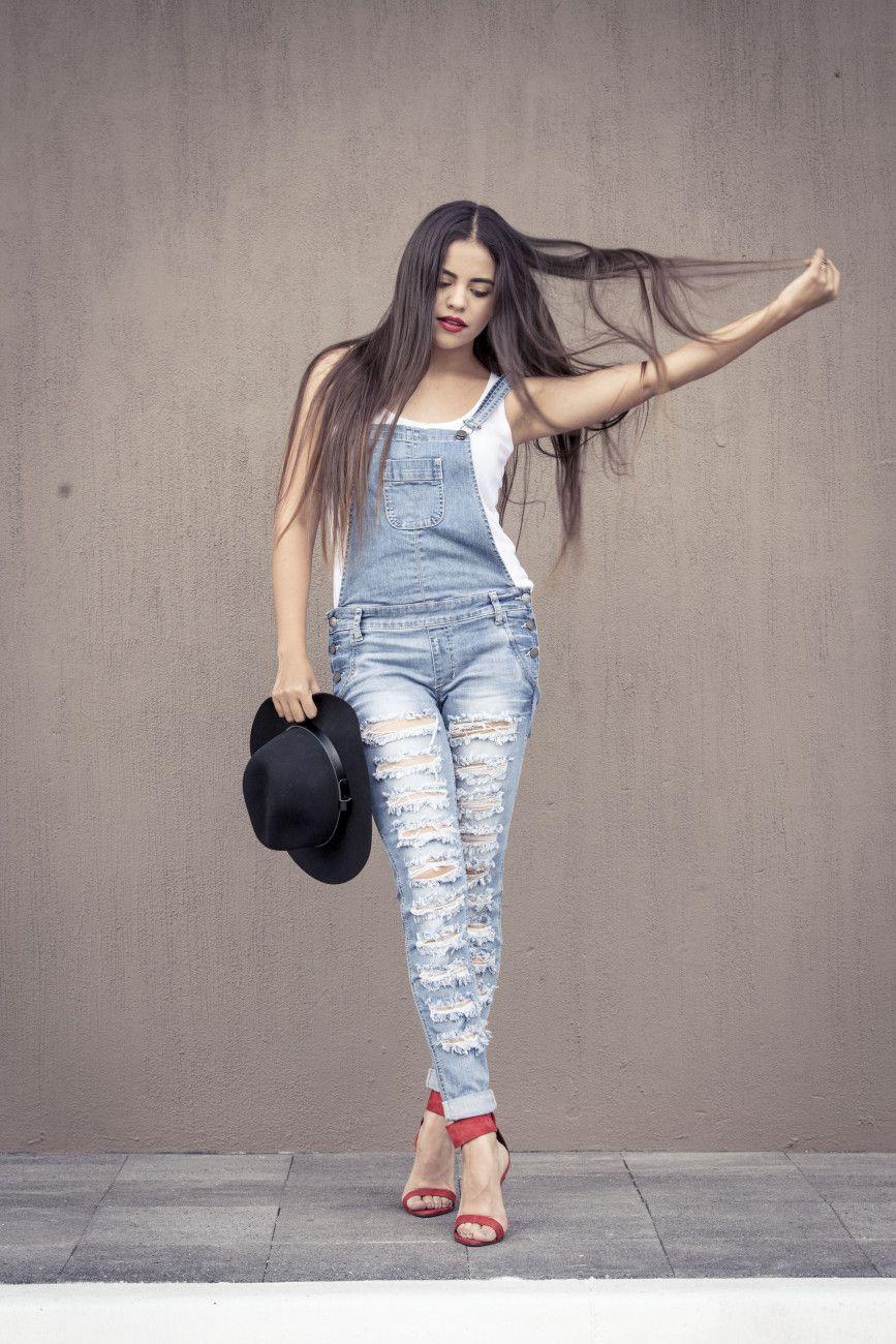 Fashion, Moda, Look by Fernanda.. Tank top: Topshop - Denim jumper: Necessary Clothing - Zapatos / Shoes: Zara - Sombrero / Hat: H&M - Bolsa / Bag: Carolina Herrera - Accesorios / Accesories: H&M