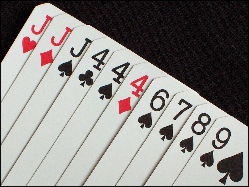 Gin rummy is a popular twoplayer draw and discard
