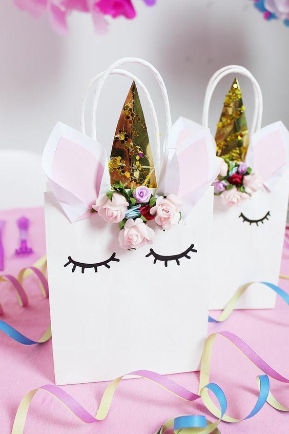 diy einhorn geschenk t ten selber machen schnelle einhorn party deko geschenke verpacken. Black Bedroom Furniture Sets. Home Design Ideas