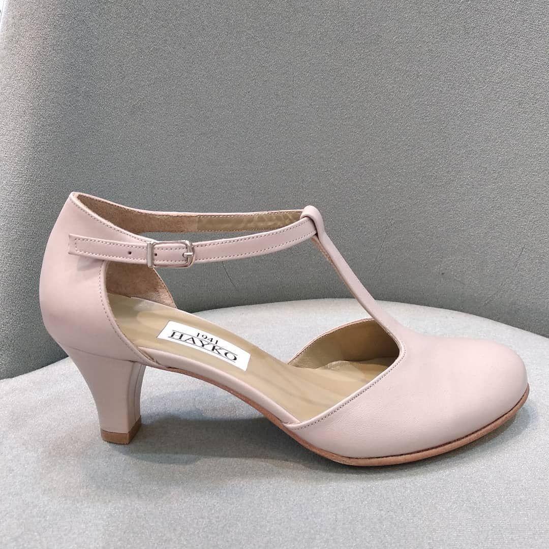 HAYKO SHOES 02163851145 BAĞDAT CADDESİ MARKS SPENCERIN SOKAĞI KAZIM KULAN PASAJI YAN GİRİŞİ ŞAŞKINBAKKAL ISTANBUL TÜRKİYE  Bir kadına doğru ayakkabıları ver dünyayı keşfetsin  #trend #stil #tarz #şık #düğün #düğünayakkabısı #dansayakkabisi #deriayakkabılar #deri #izmir #ankara #istanbul #kandilli #anadolubisarı #bebek #nisantasi #beylerbeyi #wedding #weddingshoes #abiye #abiyeayakkabı #elyapımı #elyapımıayakkabı #handmade #takip #follow Shoe boots | Me too shoes | Cute shoes | Fashion shoes | Cr #ankarastil