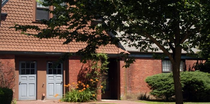 SALVE REGINA UNIVERSITY HOUSING: Fairlawn Apartments ...
