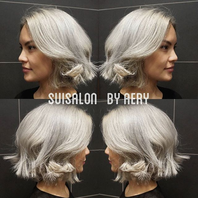 Black dyed hair to silver blonde  #melbourne #suisalon #hairdresser #instahair #haircolor #photo #change #dailylook #fashion #style #trend #unique #silver #blonde #bleach #good #hair #instagram #passion #patient #australia #수이 #멜번 #헤어 #체인지 #변화 #검정머리 #탈색 #소통