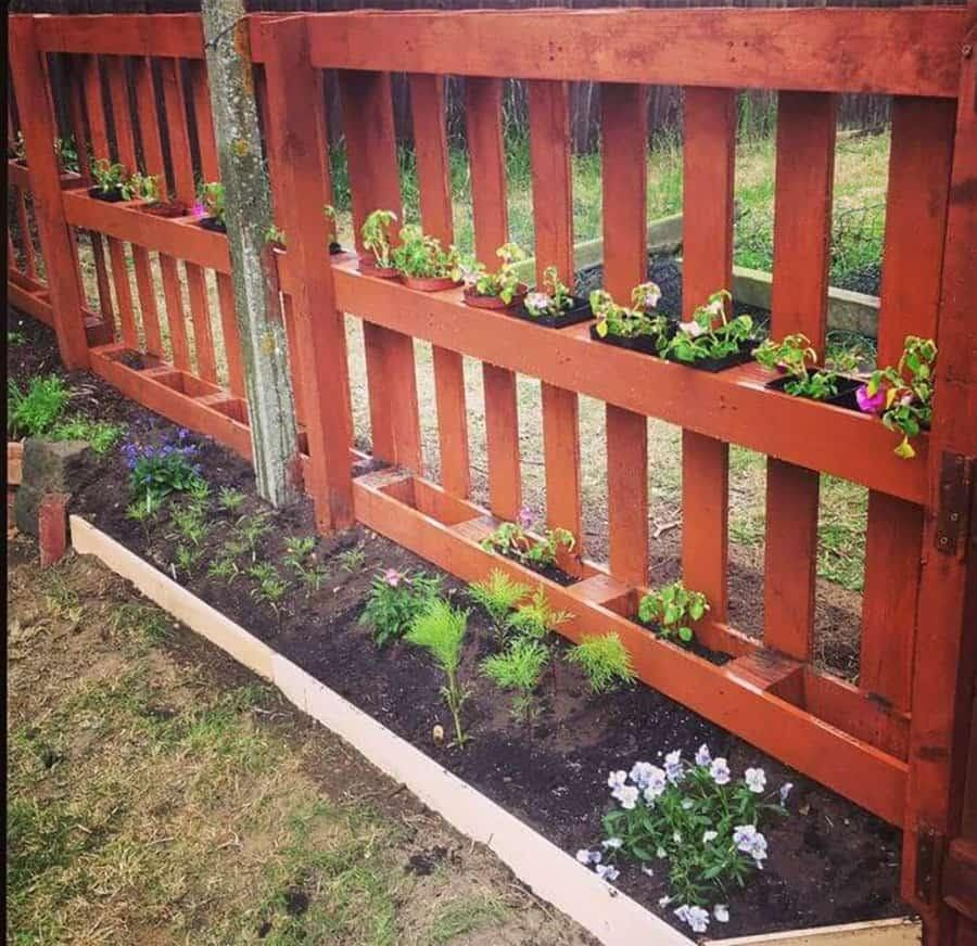 12 Impressive Pallet Fence Ideas Anyone Can Build