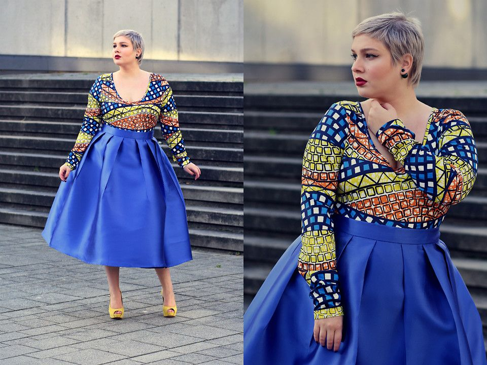 Dearcurves Body, Dearcurves Skirt, Claudia Bauknecht Peep Toes, Dior Earrings