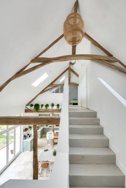 Longère contemporaine dans lu0027Yonne Mezzanine, Interiors and Stairways