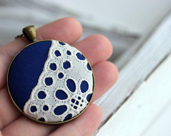 O laço branco Vintage Colar Azul Real Jóias por TheWhirlwind