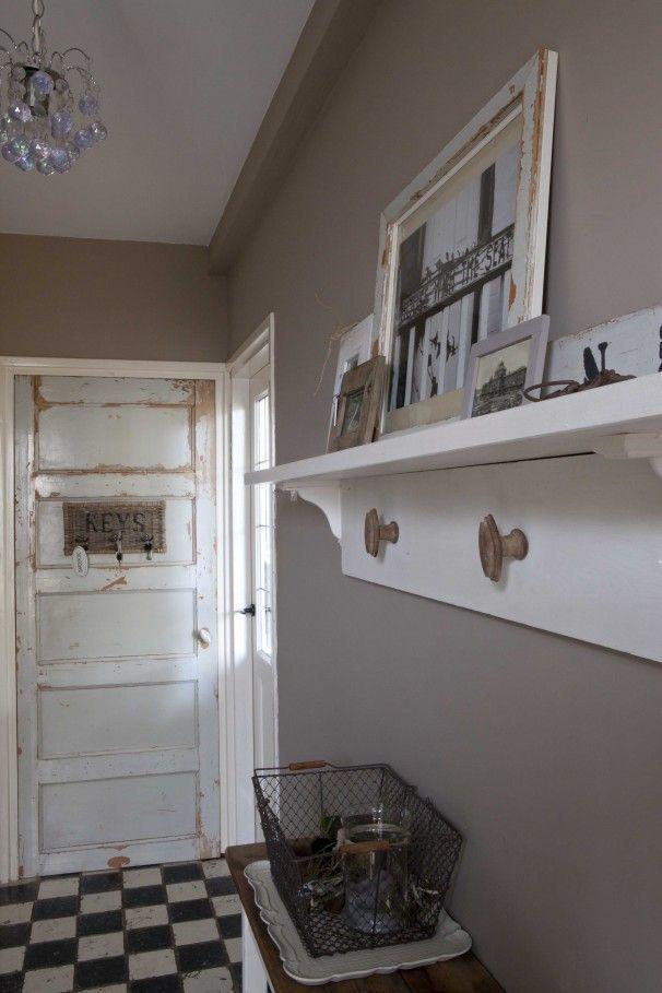 Landelijke hal google zoeken gangkast pinterest kleur muren witte tegels en gangkast - Interieur binnenkomst ...