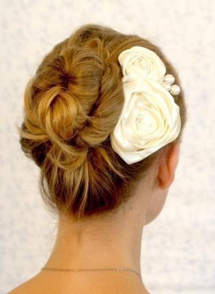 Ivory Hair Comb Headpiece.