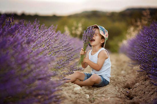 """""""Eu não abro mão de ser uma criança com um belo presente nas mãos: a vida"""""""