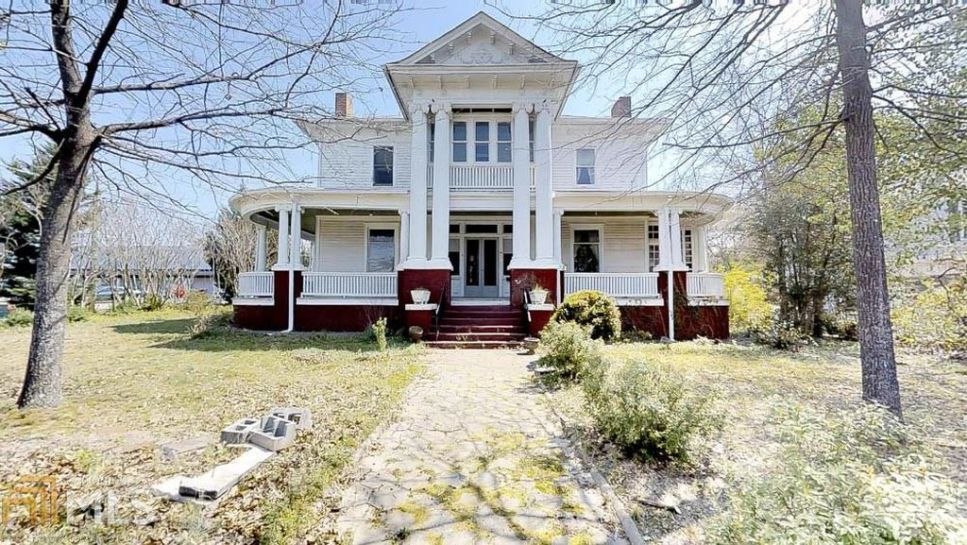 1900 neoclassical fixer upper for sale in mcdonough georgia houses rh br pinterest com
