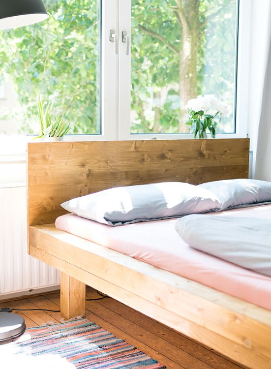 Stabiles Bett Aus Echtholz Lasst Sich Mit Verschiedenen
