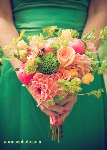 #pink and #green #wedding #bouquets, credit: Floressence Flowers