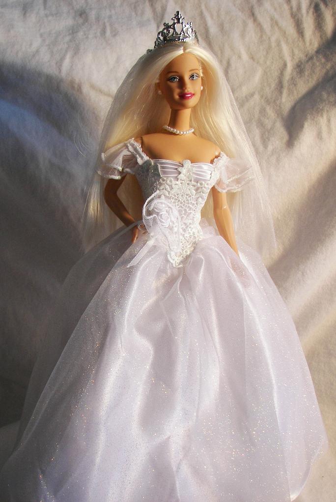 Bride doll barbie doll bride dolls of all kinds for Wedding dresses for barbie dolls