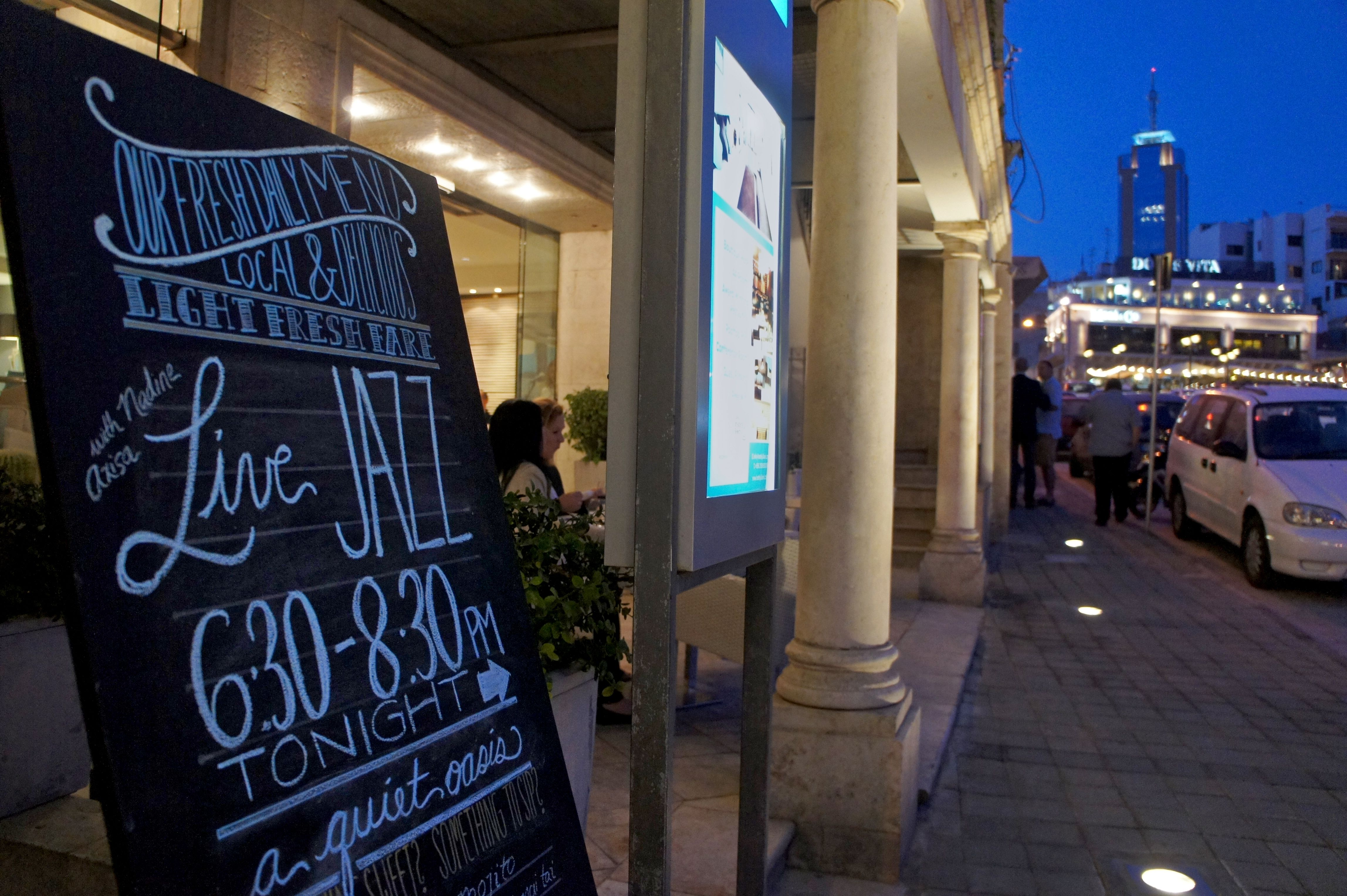 Live jazz and aperitivo at our lobby cafe, offering a taste of contemporary Maltese culture to our hotel guests!