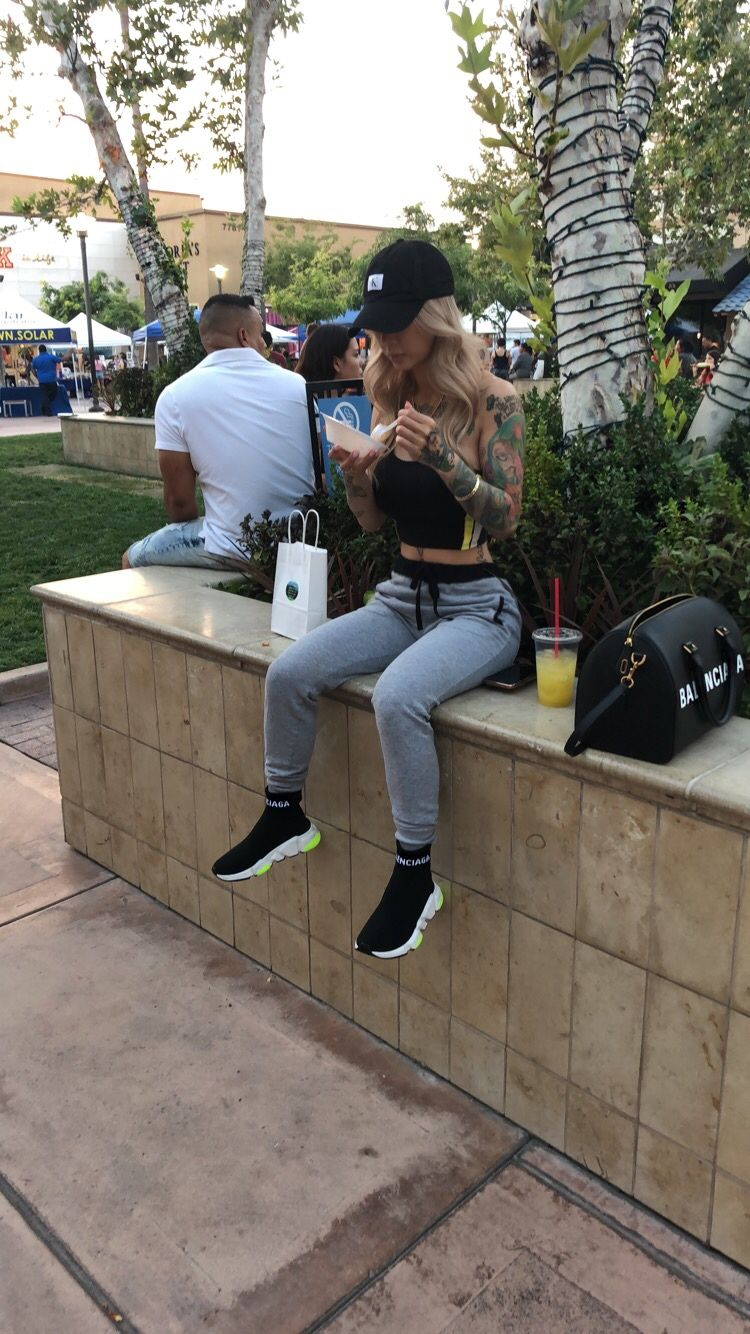 f8166e7b866a Joggers with balenciaga sneakers and dad hat outfit
