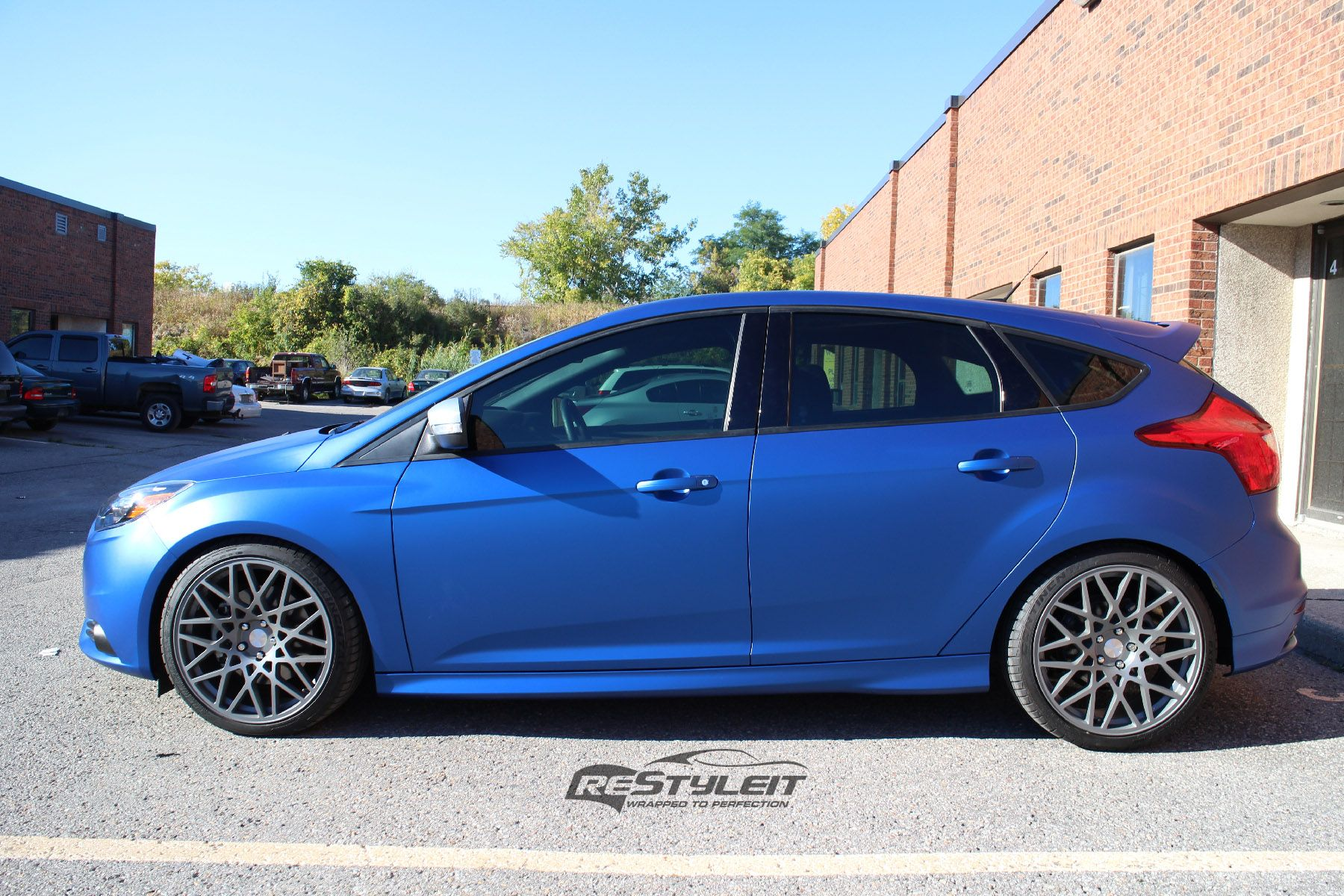 Matte metallic blue ford focus st