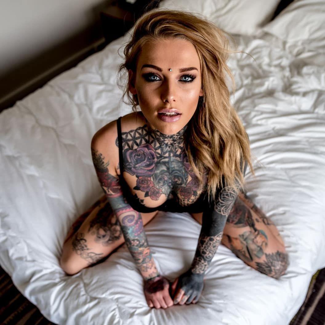 Tattoowierte frauen