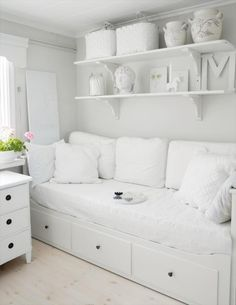 idea for dressing our ikea hemnes daybed to make it more like a sofa