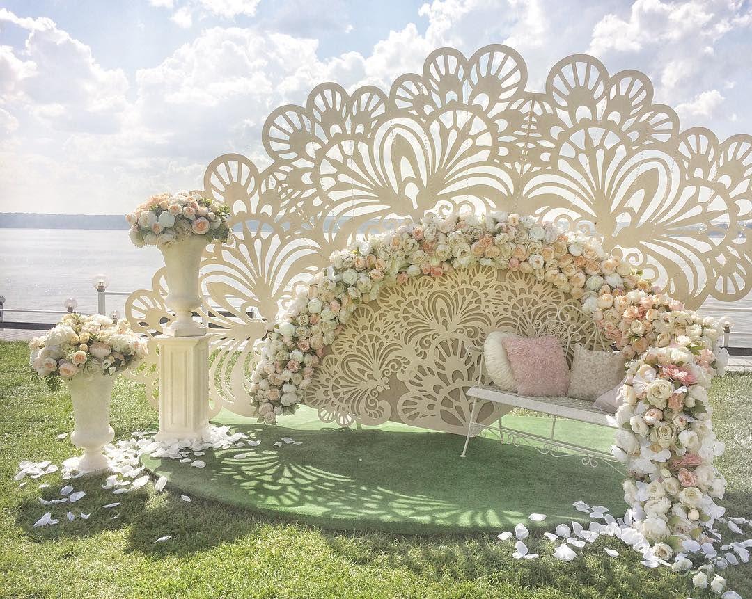 Wedding gate and stage decoration  Асель и Джорди Организаторы Свадебное агенство Елены Ягудиной