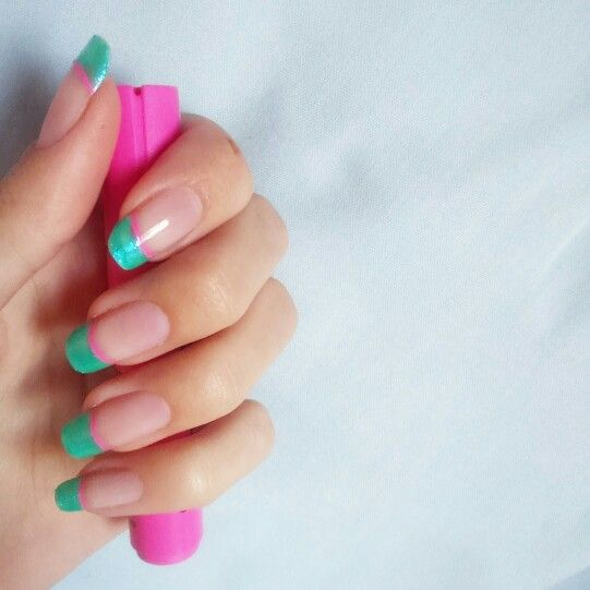 Turquoise and pink tips