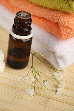 Tea-tree olie voor acné - etherische olie